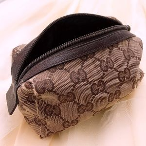 Authentic Gucci cosmetic makeup case travel pouch